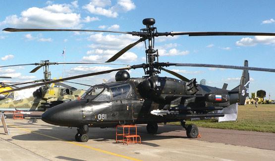 图文:在卡50基础上改进的双座卡52直升机