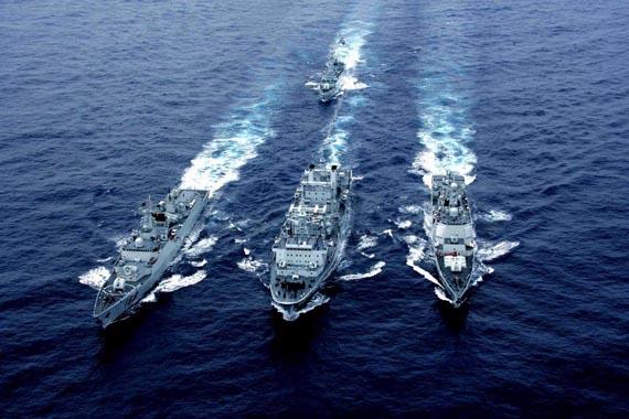 图文:中国海军052C级导弹驱逐舰编队