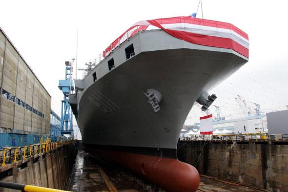 图文:韩国自行建造独岛号LPX级两栖登陆舰