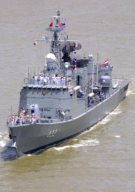 图文:中国出口型战舰使用了许多全新设计
