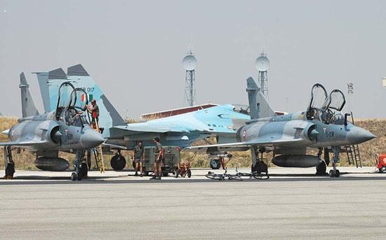 图文:印度空军装备苏-30MK及幻影-2000战机