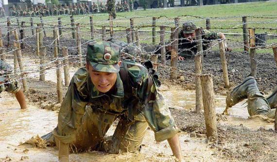 图文:解放军现在实战训练强度非常