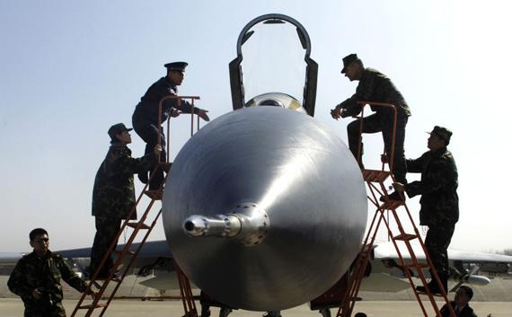 图文:佩斯登上空一师苏-27战斗机