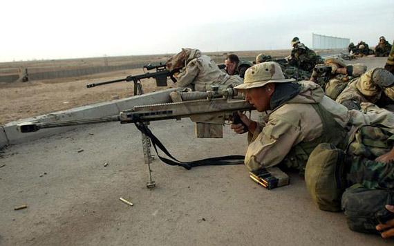 图文:驻伊美军巴雷特狙击部队战斗中
