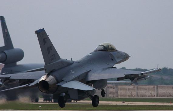 F-16最初完全作为一种廉价格斗机来设计的(图)