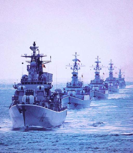 图文:海军北海舰队主力战舰编队受阅