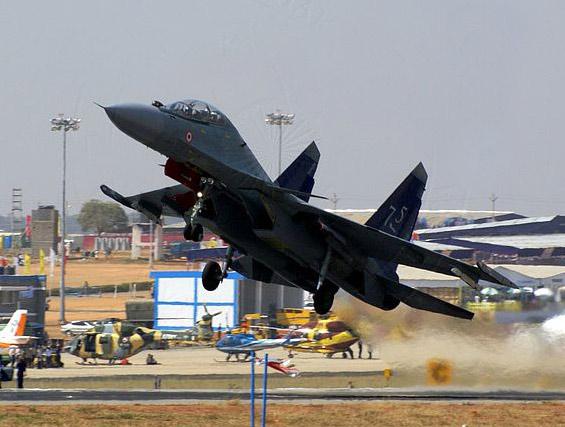 印度订购18架俄制苏-30MKI多功能战机(组图)