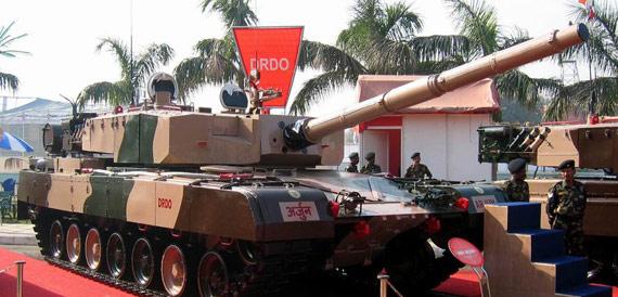 """图文:印度自制""""阿琼""""主战坦克已经下马"""