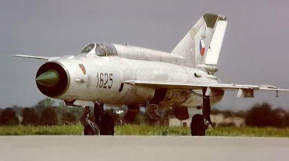 中东战场米格-23/25奋力苦战(图)