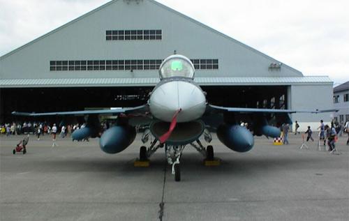 组图:日本航空自卫队F-2A战机静态展示