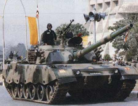 图文:巴基斯坦陆军装备中国制85-IIAP坦克