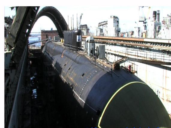 图文:俄北风之神级核潜艇艇体敷设二代消声瓦