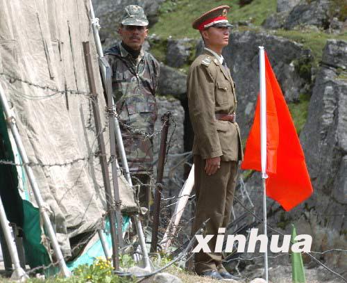 印度增兵中印边界部署山地战精锐部队(组图)