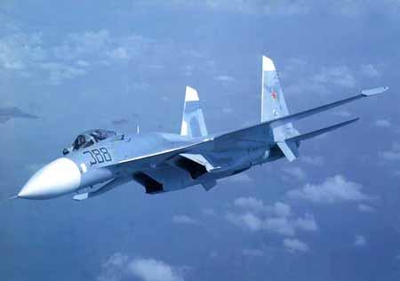 较低的涡喷发动机来大大提高飞机的航程和作战半径