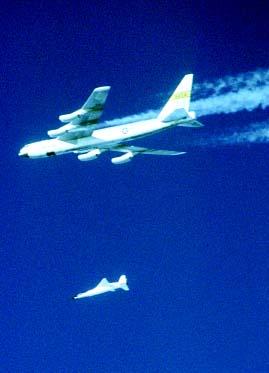 《环球飞行》本期视点:2004航空大盘点(组图)