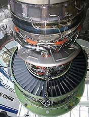 波音777-200LR发动机