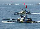 中国海军陆战队水陆坦克实施泛水突击