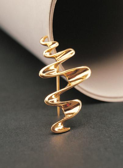 图文:中国珠宝首饰设计大赛参赛作品《传递》