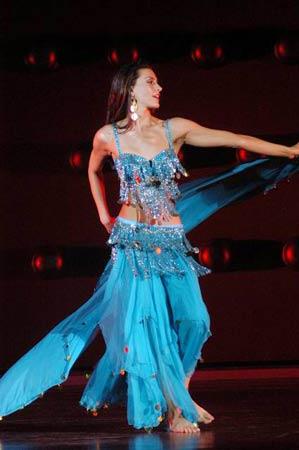 组图:第53届世姐才艺大比拼--加拿大小姐伊朗舞蹈秀