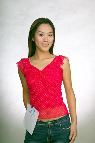 2004环球中国小姐参赛佳丽--29号王梦溪(图)