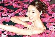 组图:风情撩人国际小姐性感装束出席发布会