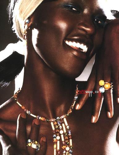 天边歌谱 黑鸭子组合-组图 黑妹妹的珠宝迷情 3  小女人的心思,圆一个珠宝梦