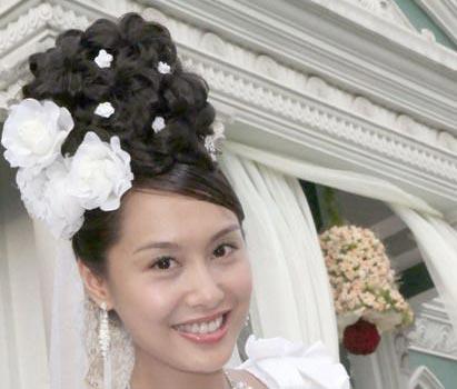 组图:明星发型 性感女神朱茵15款妖娆发型(12)图片