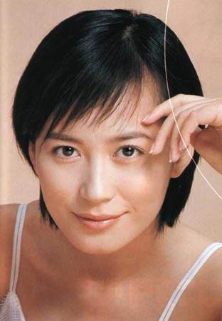 俞飞鸿发型秀:清秀短发(图片来源:新浪娱乐)图片
