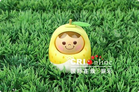 组图:蛋壳向阳娃娃绽放可爱笑容