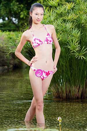 2005新丝路中国模特大赛2号选手张抒扬(组图)