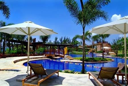 亚龙湾红树林度假酒店的游泳池-亚龙湾一线海景酒店的新宠儿