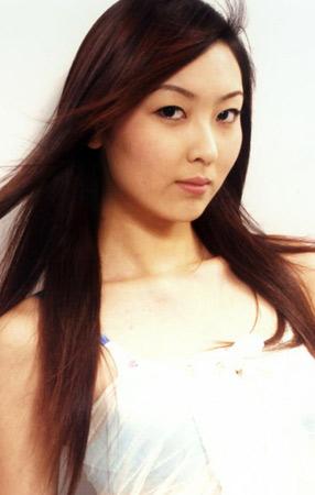 名模特婷婷的人体艺术_2005中国内衣模特大赛参赛选手风采--周婷婷(图)
