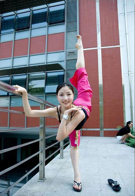 北京舞蹈学院美女(真实)-大黑狗的红棒棒-搜狐博客!!!