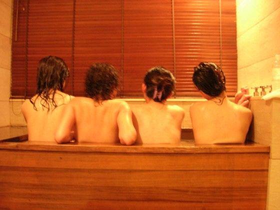 大学女生浴室沐浴集体自 贴图图片