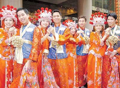 在香港中式怀旧婚礼成潮流(图)