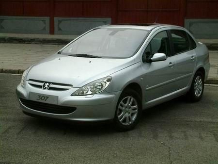 汽车市场开始回暖北京车市13种车型紧俏(图)