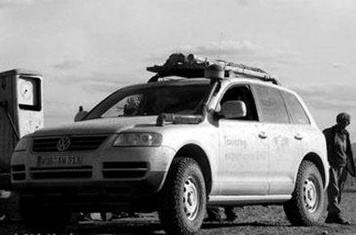 加利福尼亚州西南部莫哈韦沙漠的腹地,世界上第一个无人驾驶高清图片