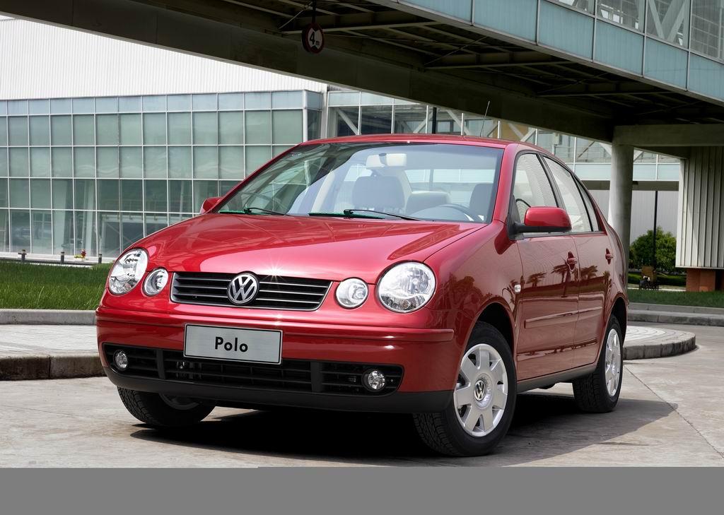 上海大众红色波罗轿车外观高清图片