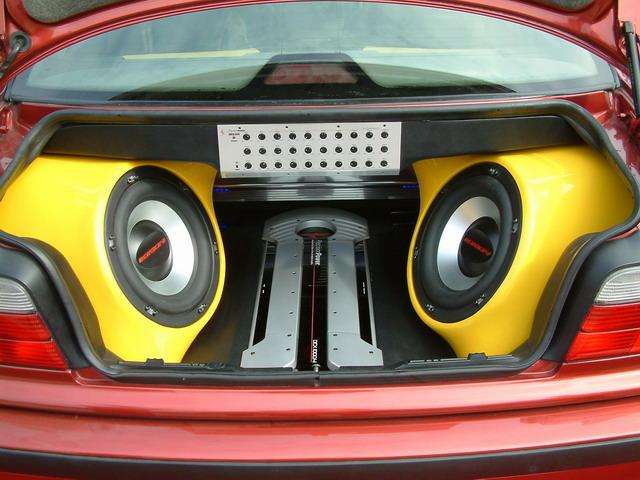 汽车音响改装高清图片