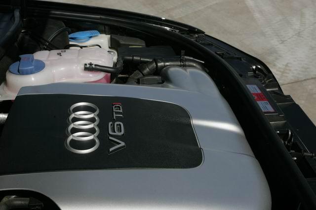 奥迪A6 2.5TDI发动机高清图片