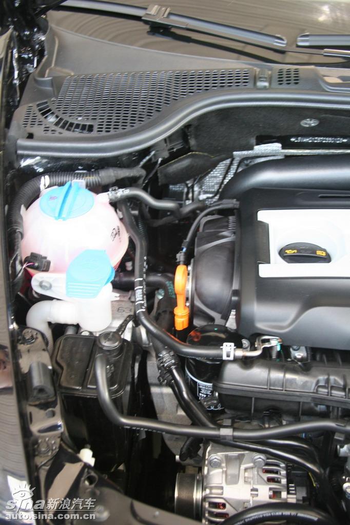 2012款斯柯达明锐发动机正时是皮带的还是链条的:  你好,这要看你