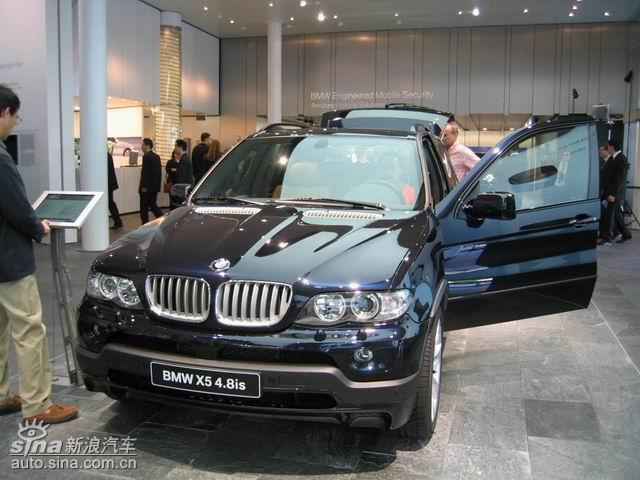新一代bmw x5延续了前代车型的成功和辉煌,为竞争激烈的高高清图片