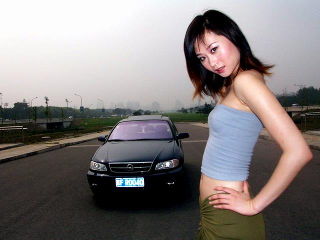 模特与欧宝欧美佳 omega高清图片