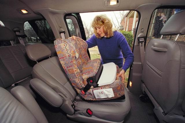 安全带及安全座椅