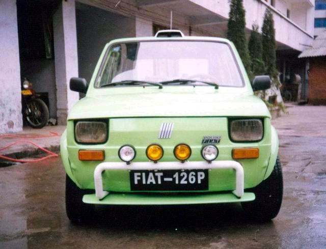 图为:新浪汽车四川德阳网友李剑利改装的菲亚特126P图片.注:这高清图片