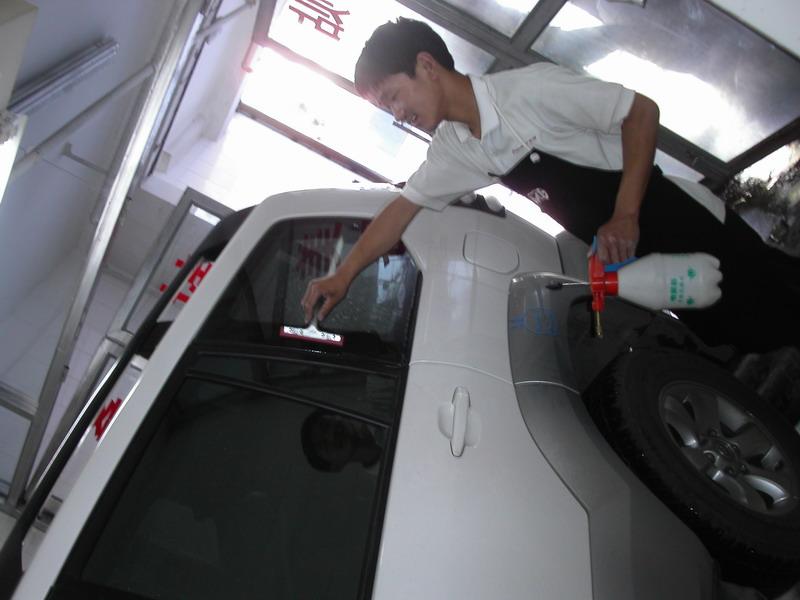 新浪汽车音响专家在线周志永操刀改装丰田霸道,经过精心打造,拥有高清图片