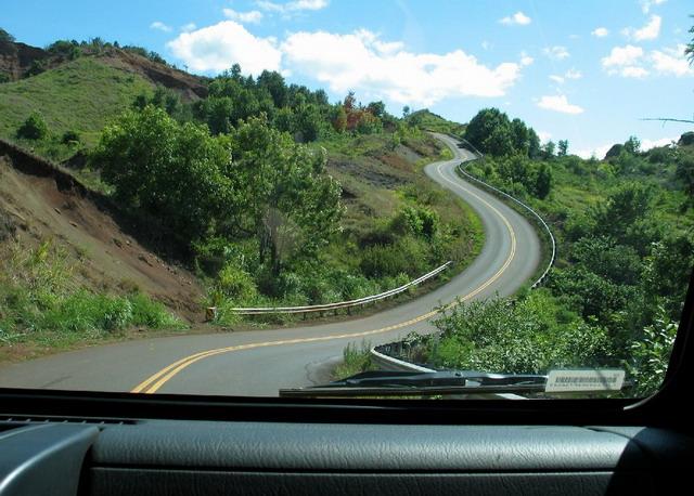 道路蜿蜒曲折