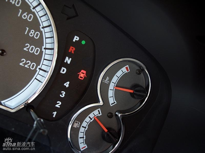 们有缘得以试驾东南汽车的全新力作三菱兰瑟,作为东南第一款使用高清图片
