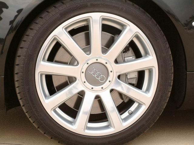 奥迪A8 L 6.0 quattro轮胎