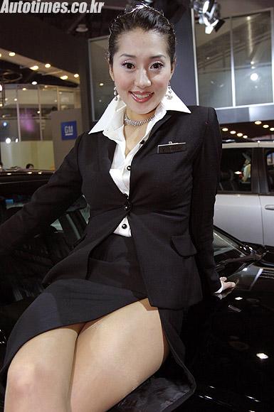 汉城车展香车美女图片